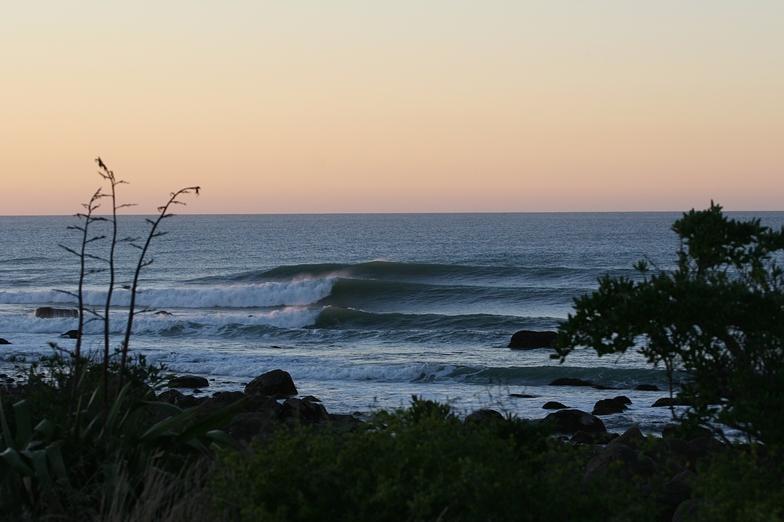 Rocky Lefts surf break