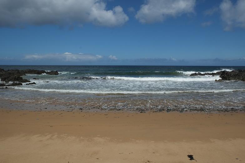 Tremone Strand surf break