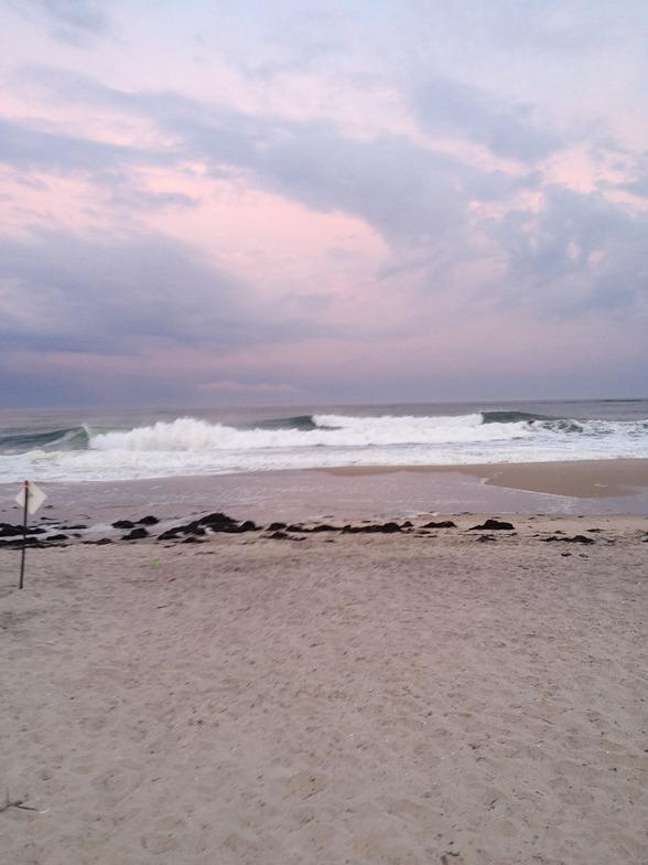 Outside Ponquogue surf break