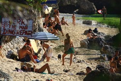 Surf Berbere Bali Indonesia, Bingin photo