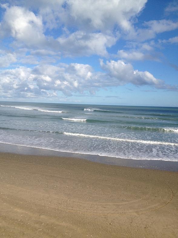 The Bluff-South Side surf break