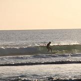 Lefty on a Sunday Arvo surf, Secret Harbour