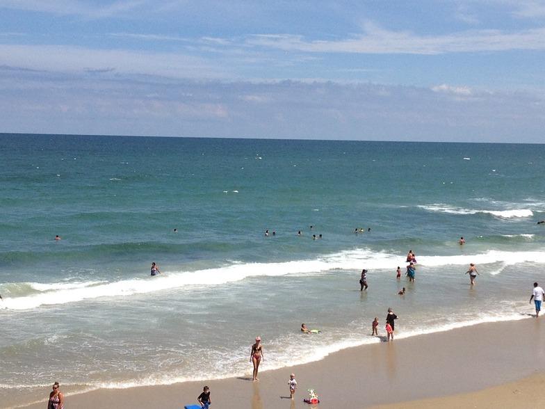 Jennette's Pier surf break