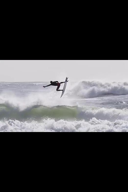 Atacames surf break