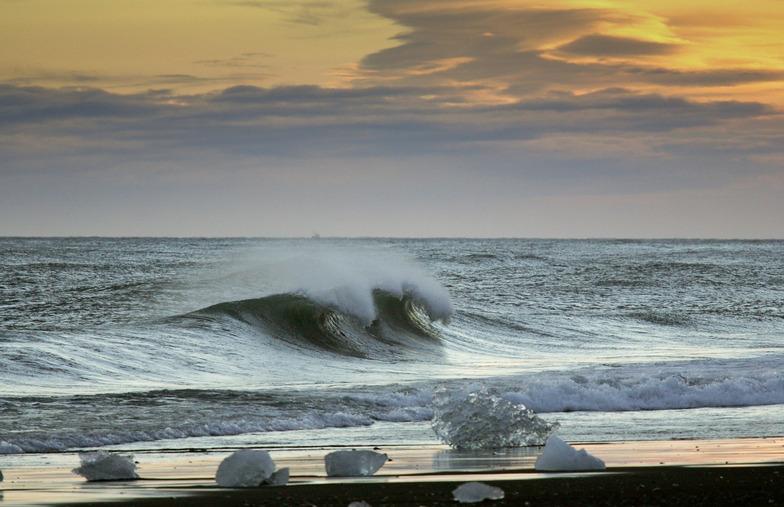 Þorlákshöfn or Porlackshofn surf break