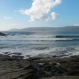 Cala de Aguieira, tuesday 6/10/15 west swell 3.5 mts at 14 seconds, strong south winds weren't bothering here, Playa Aguieira