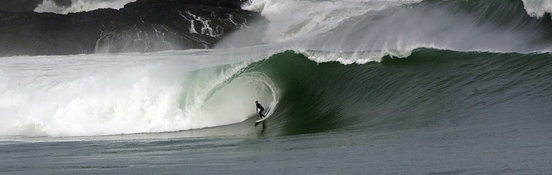 Mundaka surf break