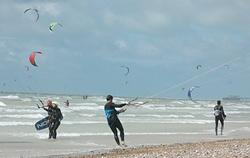 Kite surfing at South Lancing Beach photo