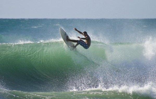 Los Patos surf break