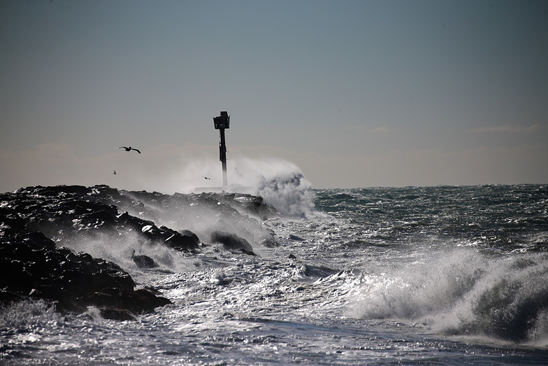 Waves, The Wedge