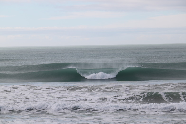 Wainui Beach - Schools surf break