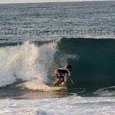 Dylan Surfer, Point Pelua