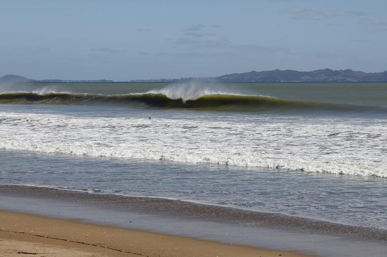 Taipa Bay surf break