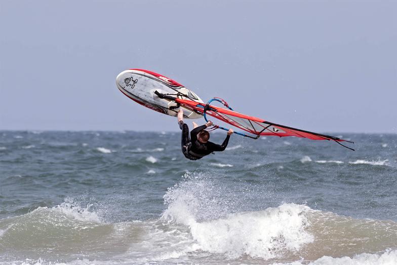 Fraisthorpe surf break