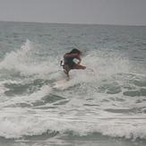 MARE ABAJO LOS POCITOS. SURFER: BARBARA HERNANDEZ.  FOTO: @dajegadi