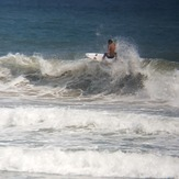 MARE ABAJO LOS POCITOS. SURFER: OSWALD MORENO .  FOTO: @dajegadi