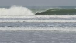 1 star swell, Senegambia Beach photo