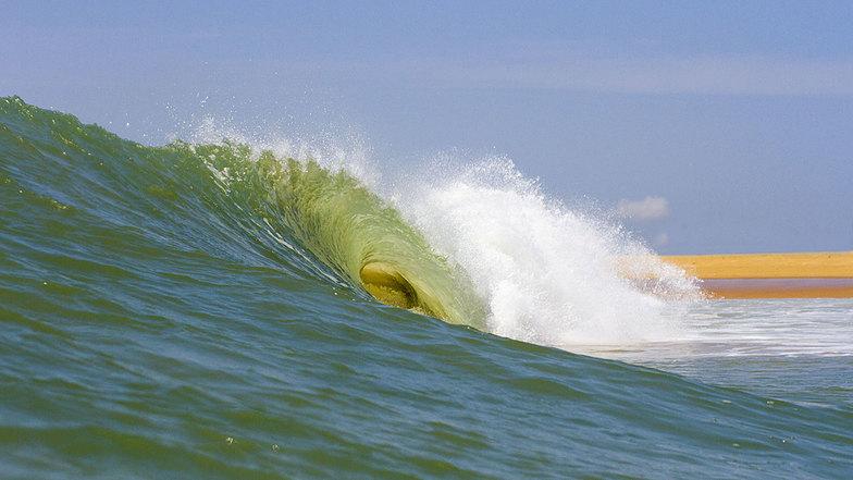 Pirights surf break
