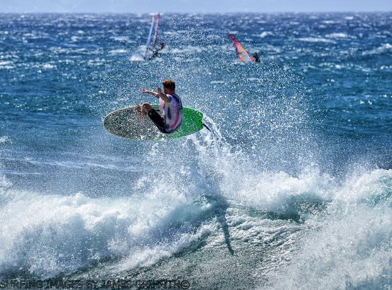 Hookipa surf break