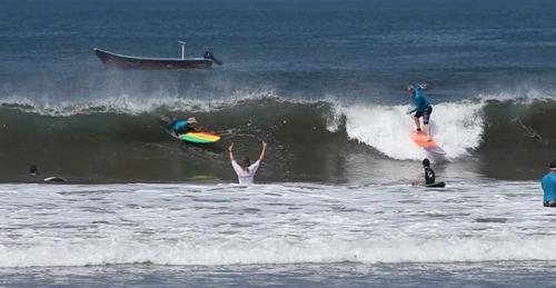 Learn to Surf at STN, Punta Miramar