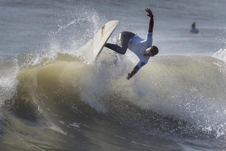 Hong Hai Bay (88) surf break