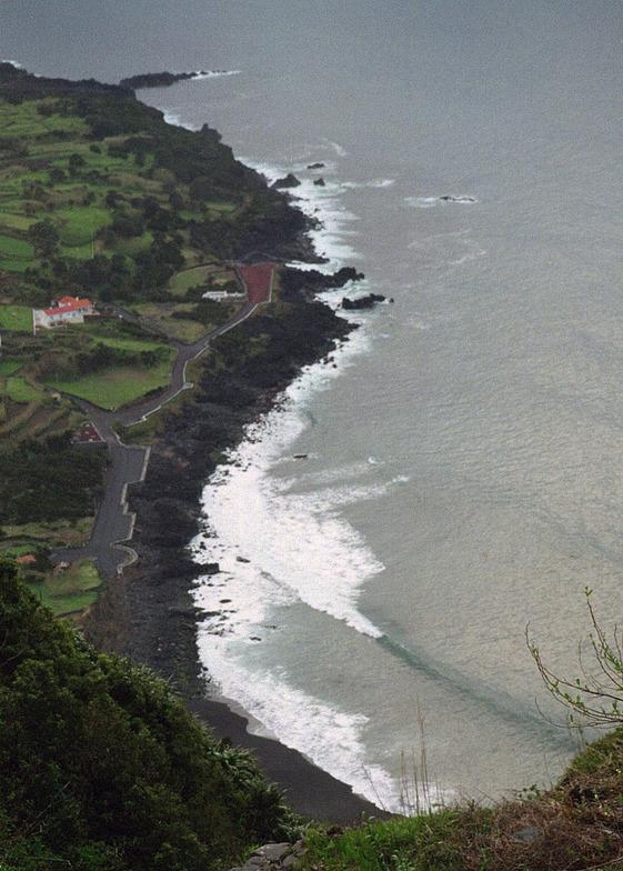 Faial - Praia do Norte break guide