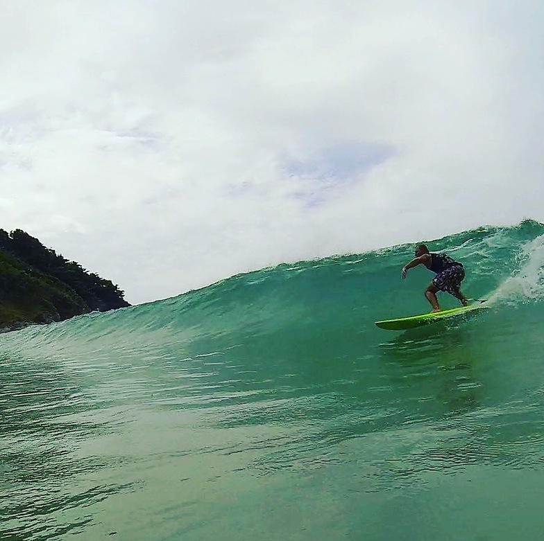 Pirate Phuket Surf club, Nai Harn Beach