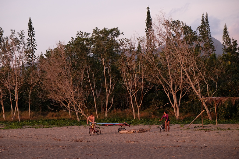 Bicycle surf transport, Nera Rivermouth