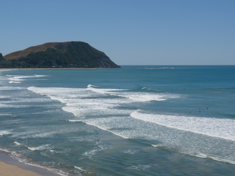 Tail end of a South Swell, Makorori Centre