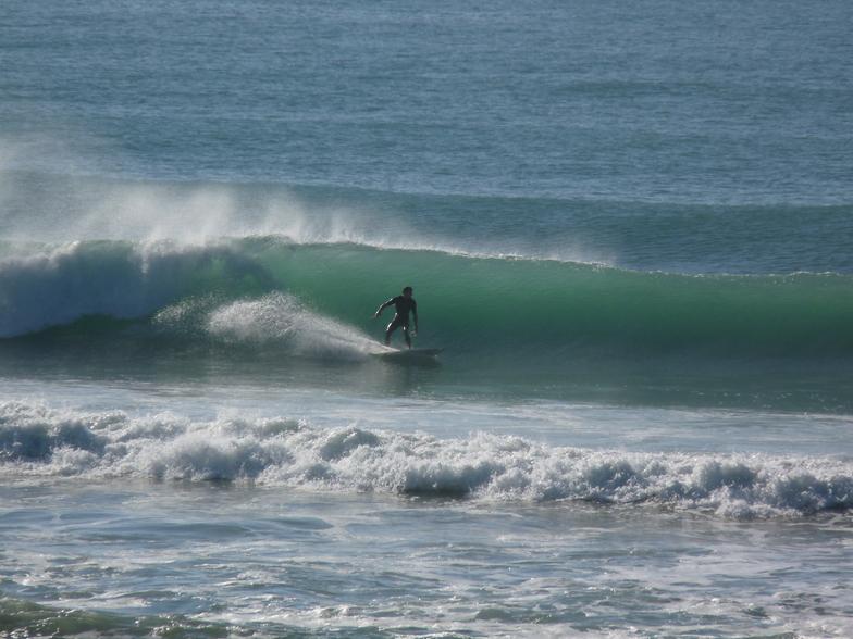 Chalet - A rare left, Wainui Beach - Pines