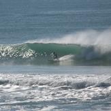 Chalet - 2.5m open ocean swell, Wainui Beach - Pines