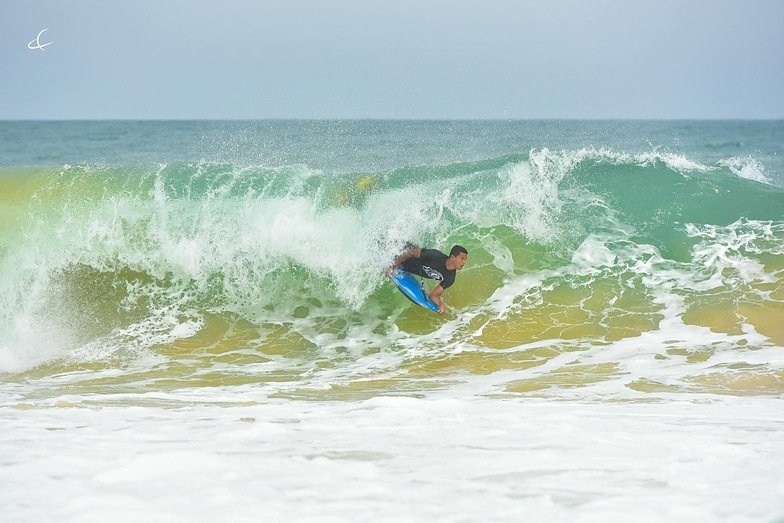 Bluff surf break