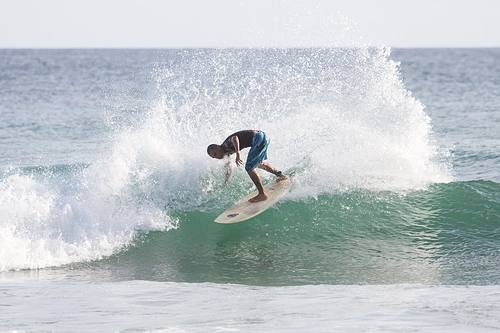 Isacc swell, Los Caracas