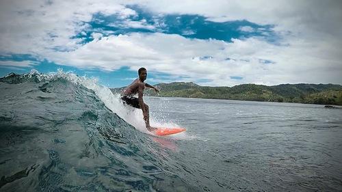 "Local surfer ""Api"", Beachouse"