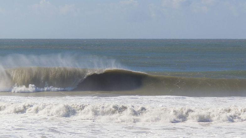 Estaleirinho surf break