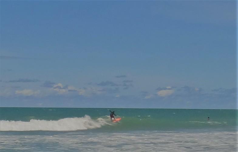 Praia do Amor surf break