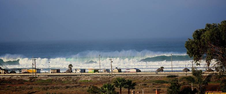 La Mision surf break