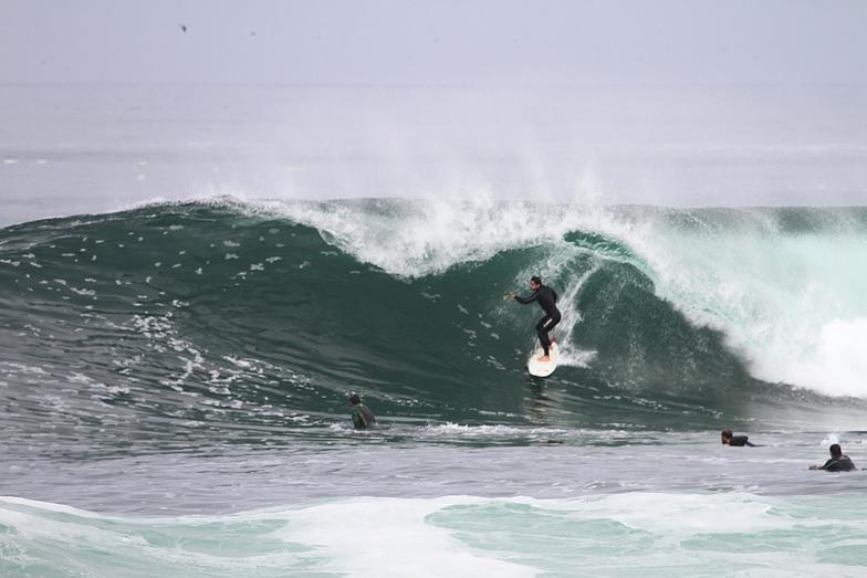 El Colegio surf break