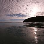 Glassy morning, Noosa - Tea Tree Bay