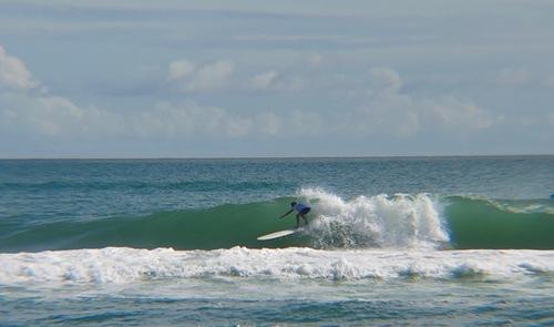 Saxon Wilson decent little tube, Frisco Pier/Cape Hatteras