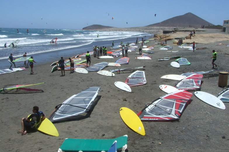 El Medano surf break