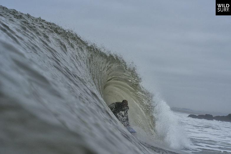 Esmoriz surf break