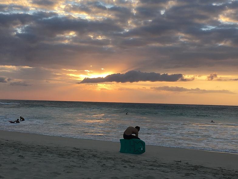 Praying for Da Perfect Wave, Kua Bay