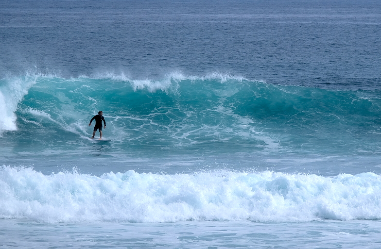 Short-lived early autumn swell at Kumera Patch.