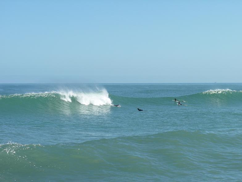 Cobden Breakwater surf break