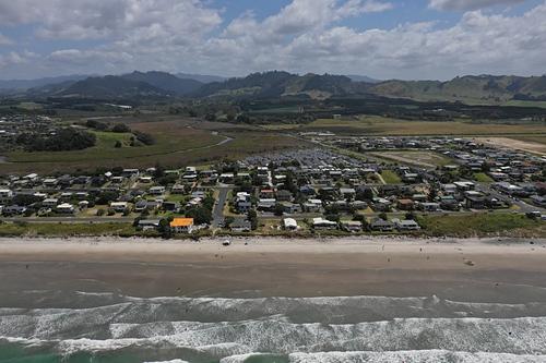 Waihi Beach SW towards airstrip.