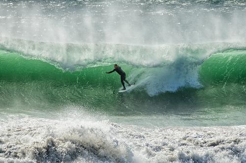 Kamikaze beach break surfing, Mitchell's Cove