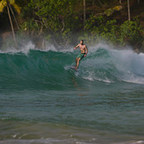 Morning surf in Mirissa