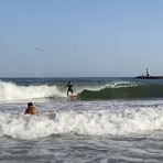 Surfing waves for beginners, Meia Praia
