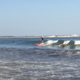 Surfing waves for beginners, Meia Praia